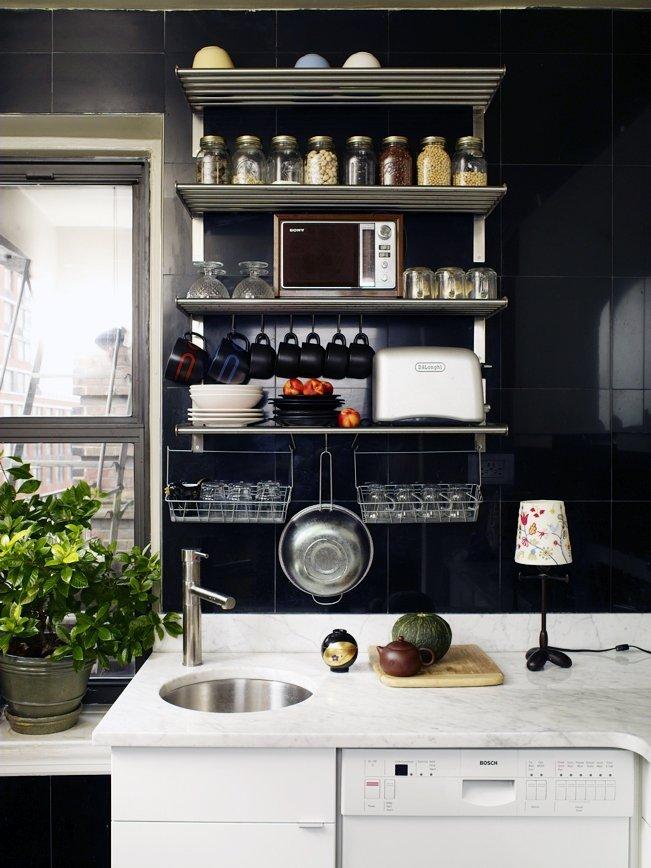 Кухня/столовая в  цветах:   Белый, Серый, Темно-зеленый, Черный.  Кухня/столовая в  стиле:   Минимализм.