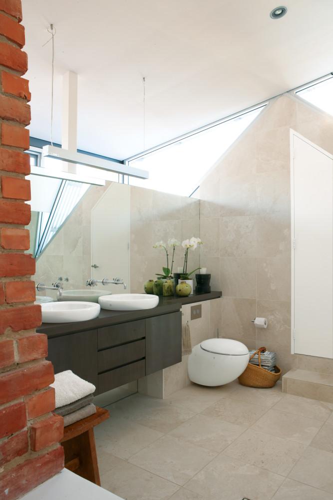 Туалет в  цветах:   Бежевый, Желтый, Светло-серый, Серый.  Туалет в  стиле:   Минимализм.