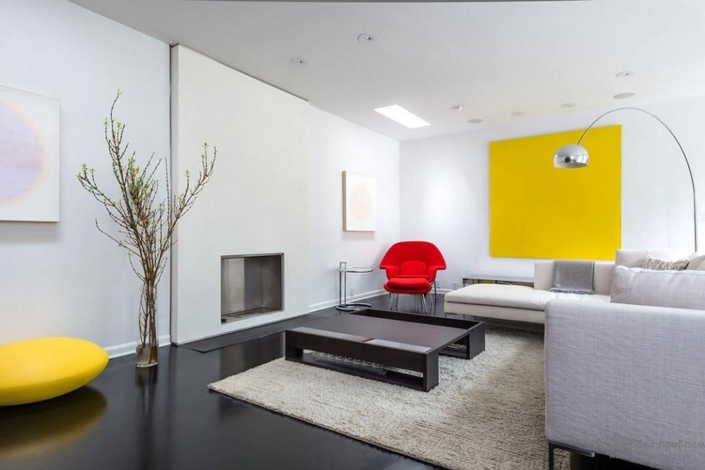 Гостиная в  цветах:   Белый, Желтый, Светло-серый, Серый.  Гостиная в  стиле:   Минимализм.