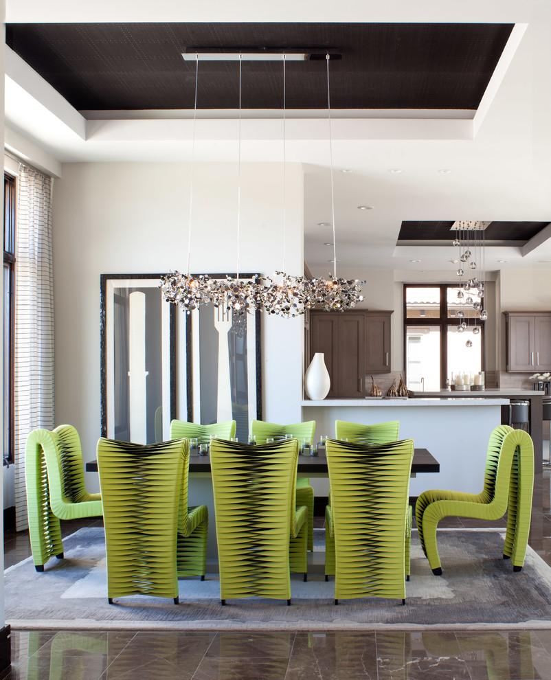 Кухня/столовая в  цветах:   Бежевый, Белый, Светло-серый, Серый.  Кухня/столовая в  стиле:   Эклектика.