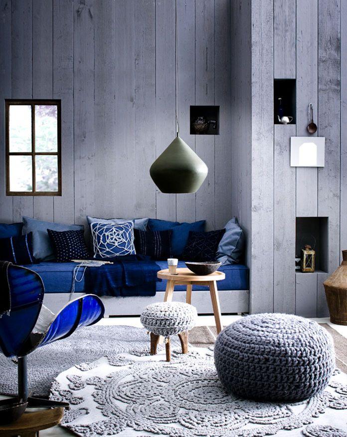 Гостиная в  цветах:   Голубой, Светло-серый, Серый, Черный.  Гостиная в  стиле:   Лофт.