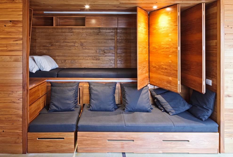 Спальня в  цветах:   Белый, Коричневый, Темно-коричневый, Фиолетовый.  Спальня в  стиле:   Минимализм.
