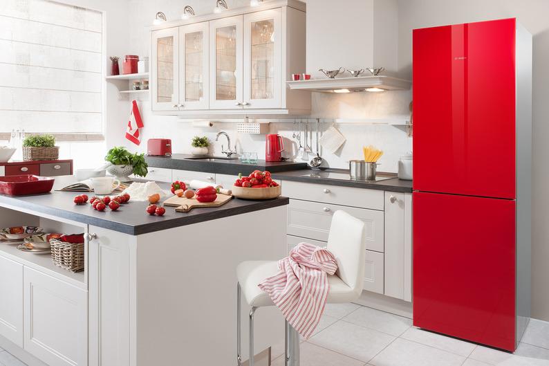 Кухня/столовая в  цветах:   Белый, Бордовый, Красный, Светло-серый.  Кухня/столовая в  стиле:   Минимализм.