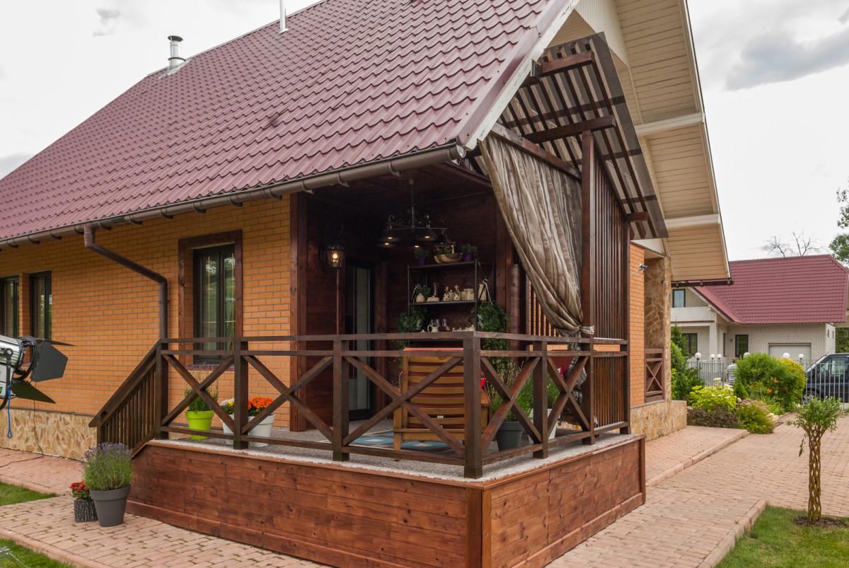 Как сделать загородный дом красивее: реальная история превращения дачи в шале