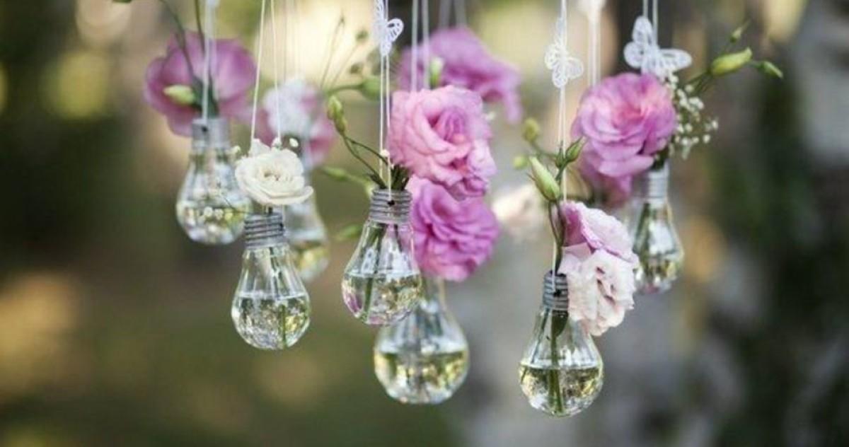 Как использовать отслужившие лампочки: 18 идей декора