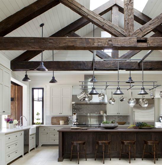 Кухня/столовая в  цветах:   Бежевый, Светло-серый, Серый, Темно-коричневый, Черный.  Кухня/столовая в  стиле:   Кантри.