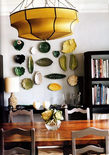 Кухня/столовая в  цветах:   Бежевый, Белый, Светло-серый, Темно-коричневый, Черный.  Кухня/столовая в  стиле:   Кантри.