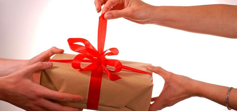 Чем удивить на 8 Марта: 10 подарков для женщин