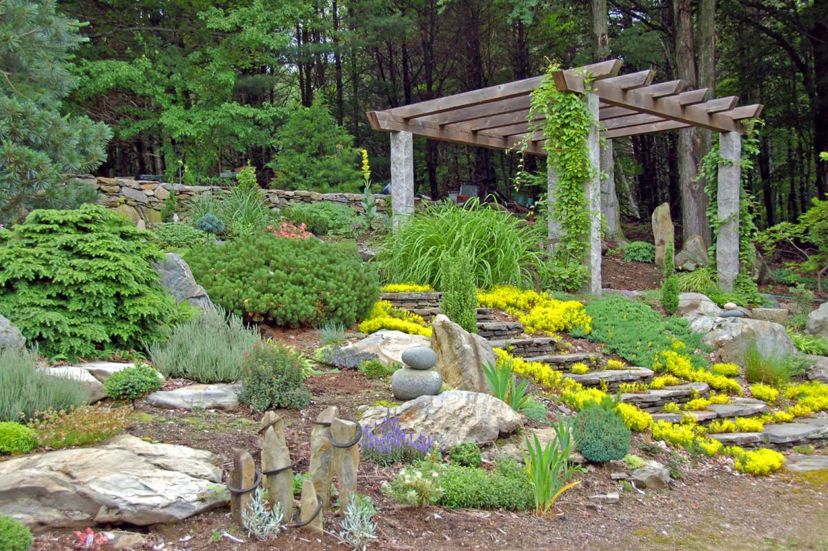 Ландшафт в цветах: зеленый, серый, светло-серый, белый, лимонный. Ландшафт в стилях: средиземноморский стиль, экологический стиль.