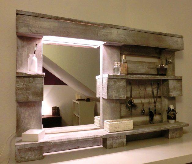 Мебель и предметы интерьера в цветах: серый, темно-зеленый, бежевый. Мебель и предметы интерьера в стилях: минимализм, экологический стиль.