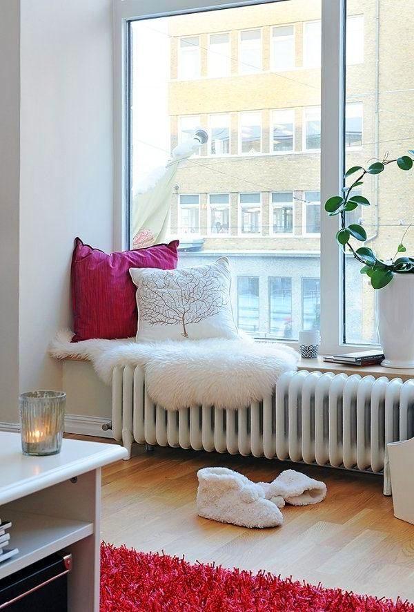 Спальня в цветах: бирюзовый, светло-серый, белый, бордовый. Спальня в стилях: эклектика.