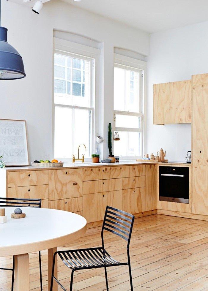 Кухня в цветах: желтый, серый, светло-серый, коричневый, бежевый. Кухня в стиле скандинавский стиль.