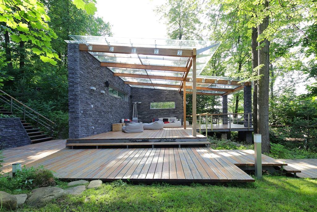 Архитектура в цветах: серый, светло-серый, белый, темно-зеленый, темно-коричневый. Архитектура в стилях: минимализм, кантри, экологический стиль.