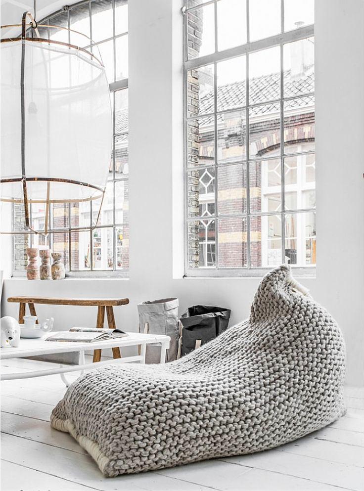 Мебель и предметы интерьера в цветах: серый, светло-серый, коричневый. Мебель и предметы интерьера в стиле лофт.