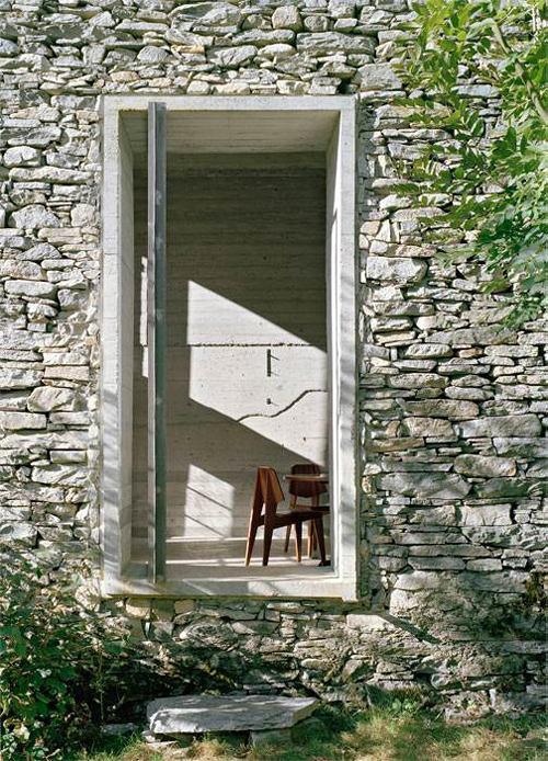 Архитектура в цветах: серый, светло-серый, белый, бордовый, темно-зеленый. Архитектура в стилях: лофт, этника, экологический стиль, эклектика.