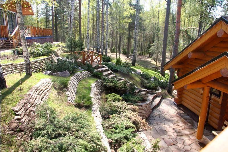 Архитектура в цветах: оранжевый, серый, светло-серый, белый, темно-зеленый. Архитектура в стилях: скандинавский стиль, экологический стиль.