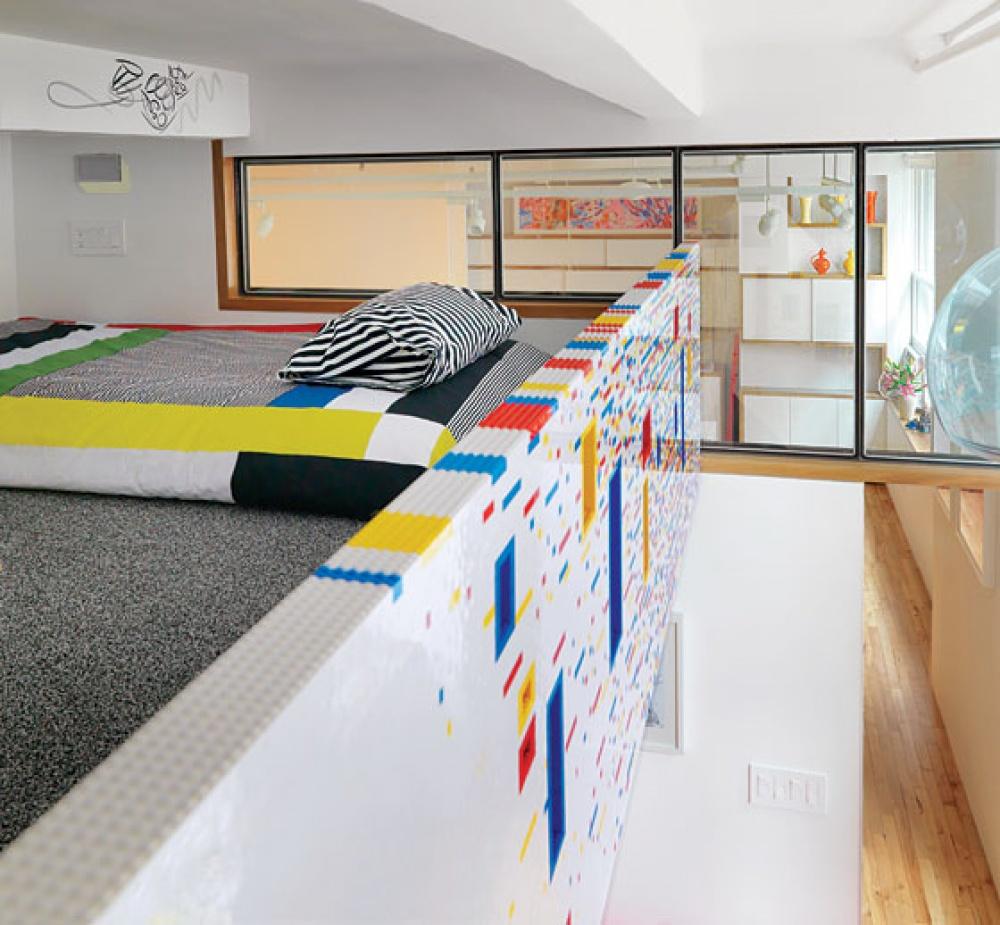 Декор в цветах: серый, светло-серый, белый, бежевый. Декор в стиле лофт.