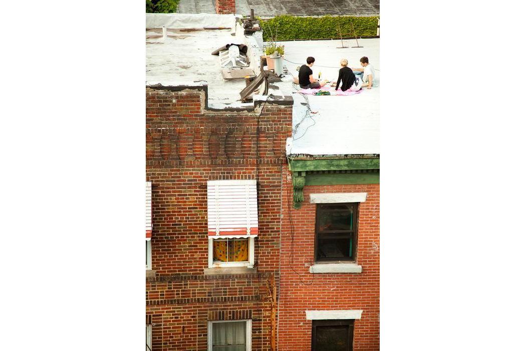 Балкон, веранда, патио в цветах: серый, коричневый, бежевый. Балкон, веранда, патио в .