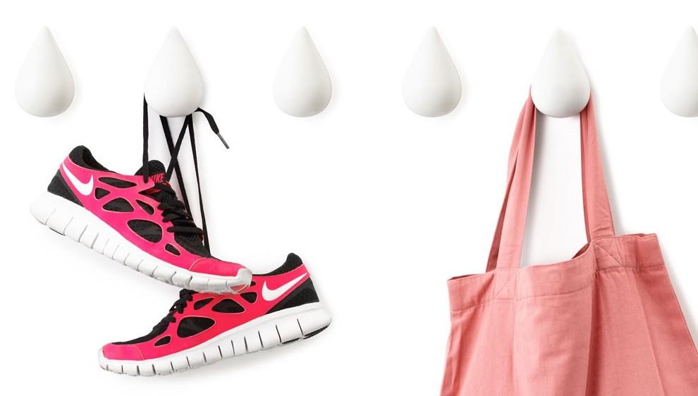 Фото в цветах: красный, черный, светло-серый, розовый. Фото в стиле модерн и ар-нуво.