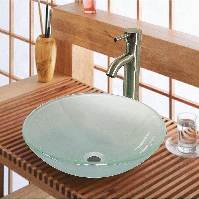 Ванная в цветах: желтый, светло-серый, бордовый, коричневый, бежевый. Ванная в стиле арт-деко.