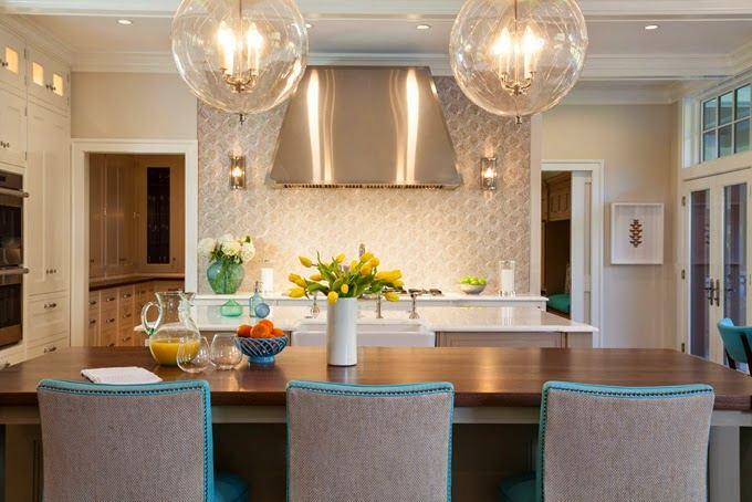 Гостиная, холл в цветах: желтый, бирюзовый, серый, светло-серый, бежевый. Гостиная, холл в стиле классика.