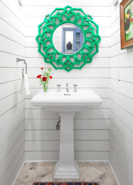 Туалет в цветах: зеленый, серый, светло-серый, темно-зеленый. Туалет в стиле эклектика.
