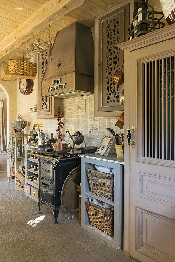 Кухня в цветах: бирюзовый, серый, светло-серый, коричневый, бежевый. Кухня в стилях: прованс.