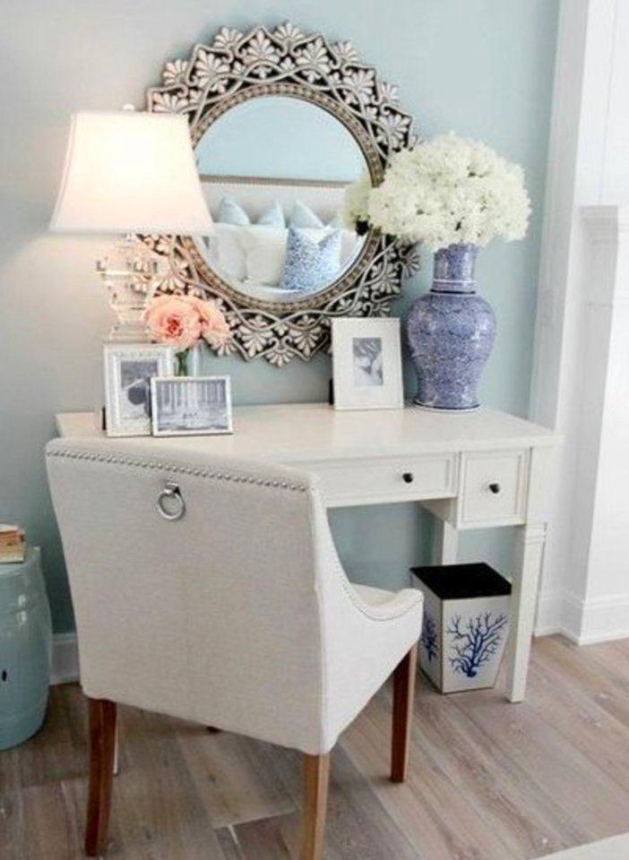Мебель и предметы интерьера в цветах: желтый, серый, белый. Мебель и предметы интерьера в .