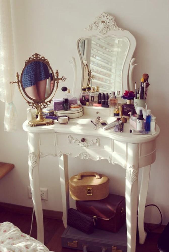 Мебель и предметы интерьера в цветах: серый, светло-серый, коричневый, бежевый. Мебель и предметы интерьера в .