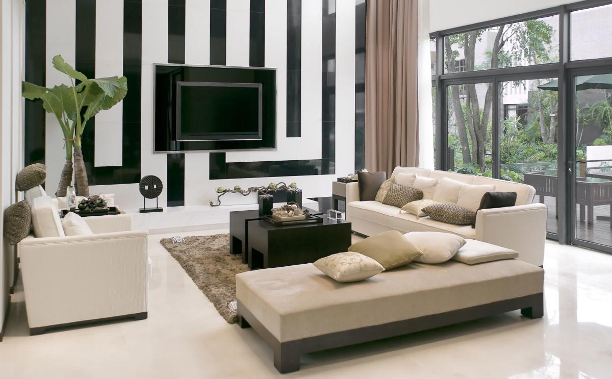 Декор в цветах: черный, серый, белый, бежевый. Декор в .