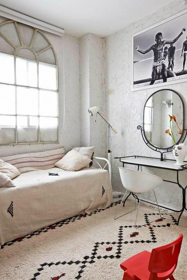 Мебель и предметы интерьера в цветах: серый, белый. Мебель и предметы интерьера в стиле лофт.
