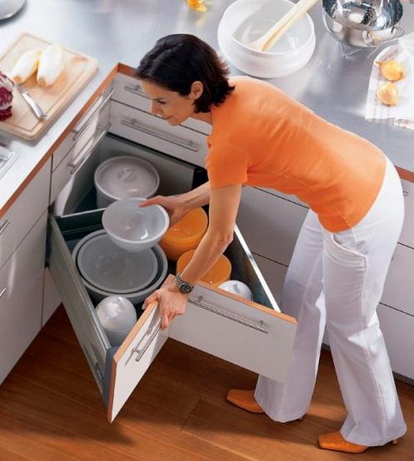 Кухня в цветах: светло-серый, бежевый. Кухня в .