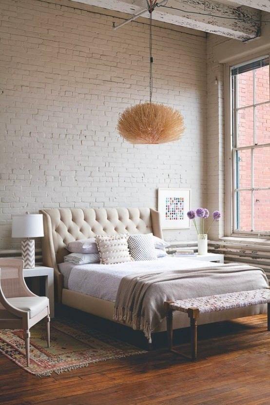 Спальня в цветах: желтый, серый, светло-серый, белый, бежевый. Спальня в стиле классика.