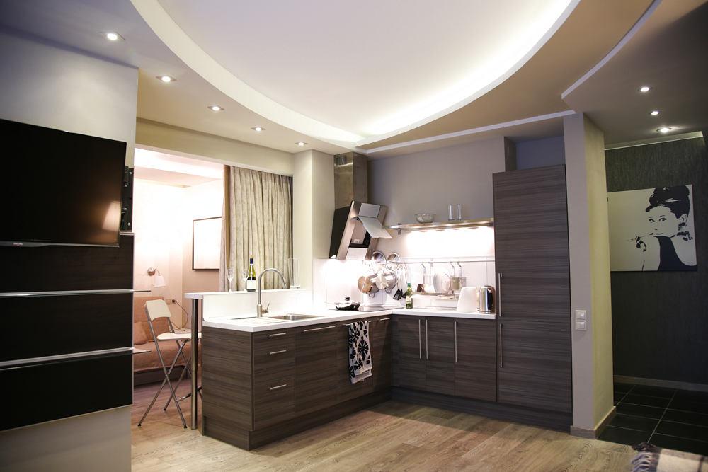 Гостиная, холл в цветах: черный, серый, светло-серый, белый. Гостиная, холл в стилях: классика, поп-арт.