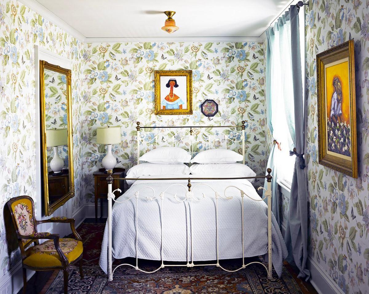 Спальня в цветах: оранжевый, желтый, фиолетовый, серый, светло-серый. Спальня в стилях: классика, эклектика.