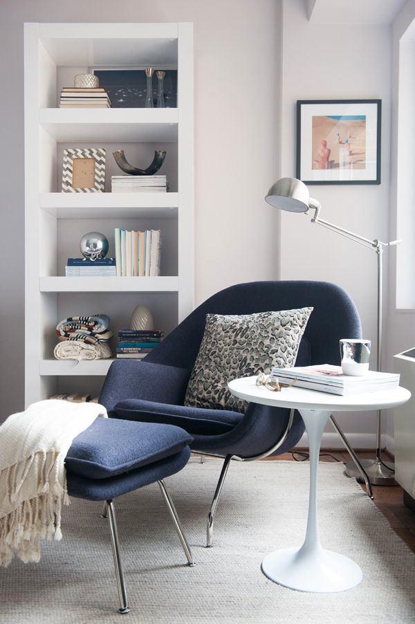 Мебель и предметы интерьера в цветах: фиолетовый, черный, серый, белый. Мебель и предметы интерьера в стилях: эклектика.