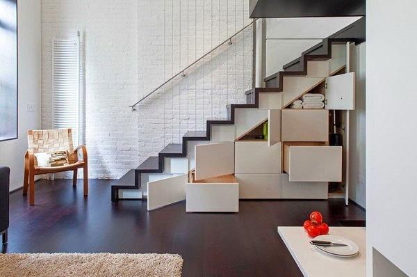 Лестница в цветах: фиолетовый, черный, серый, светло-серый. Лестница в .