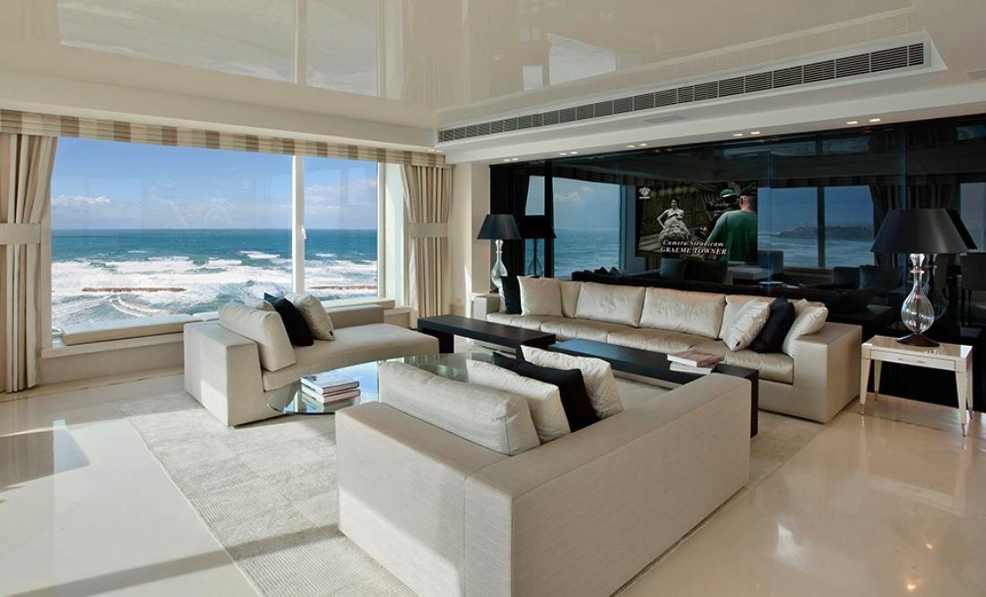 Гостиная, холл в цветах: черный, серый, светло-серый, белый, бежевый. Гостиная, холл в стилях: минимализм, средиземноморский стиль.