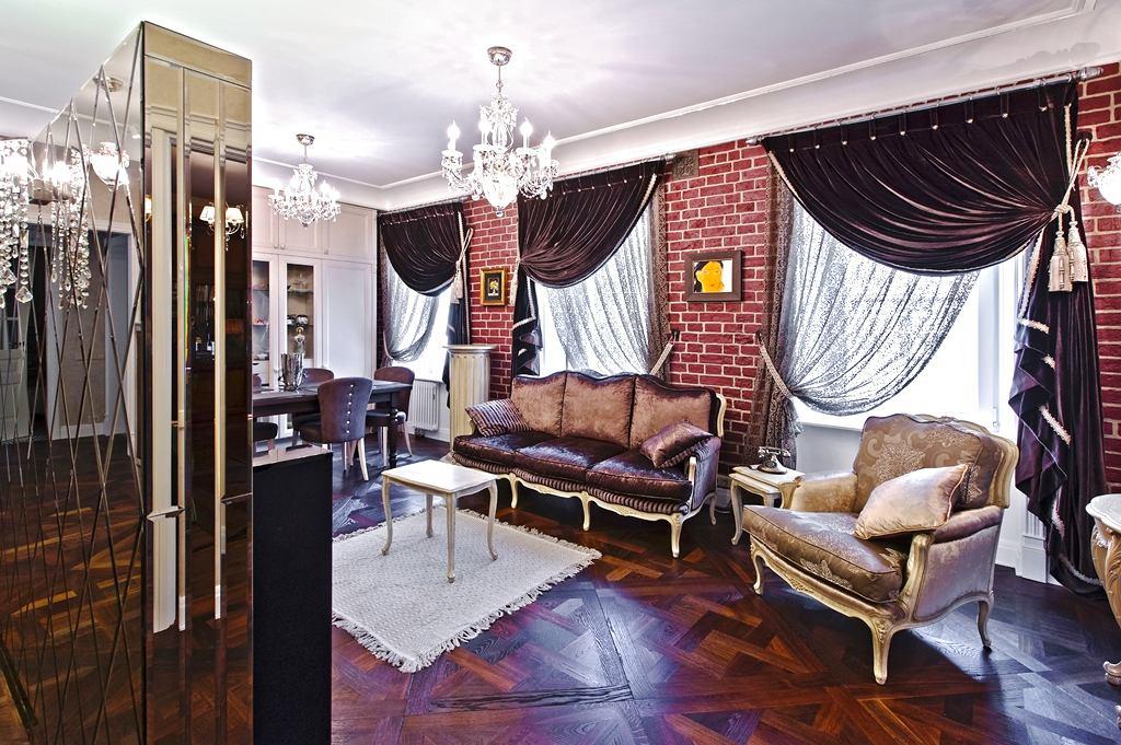 Гостиная, холл в цветах: черный, серый, белый, темно-коричневый. Гостиная, холл в стиле классика.