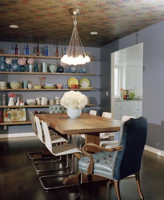 Столовая в цветах: бирюзовый, серый, светло-серый, темно-коричневый, бежевый. Столовая в стиле эклектика.
