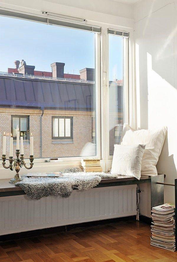 Спальня в цветах: фиолетовый, серый, светло-серый, белый. Спальня в стилях: эклектика.