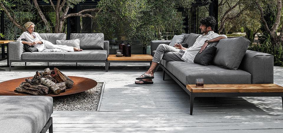 Гид для профи: ковёр, диван, латунь и сиреневая лестница