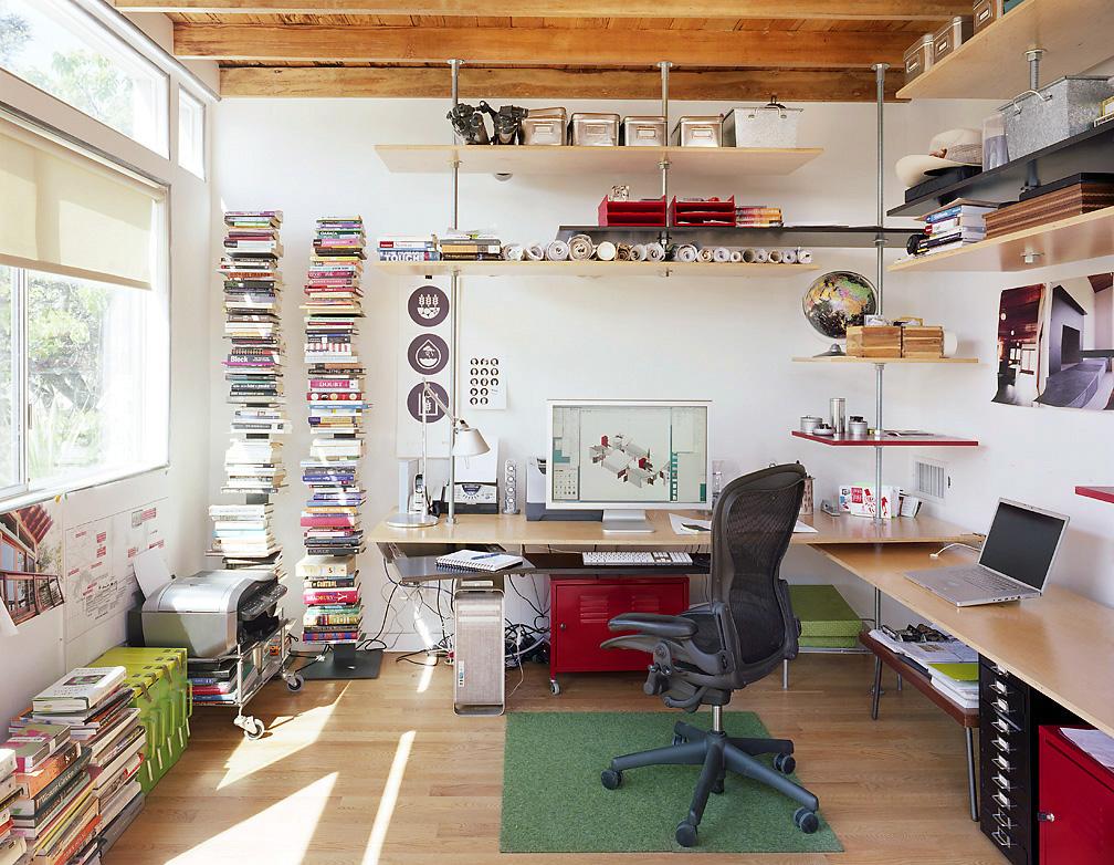 Офис в цветах: черный, серый, светло-серый, бежевый. Офис в .