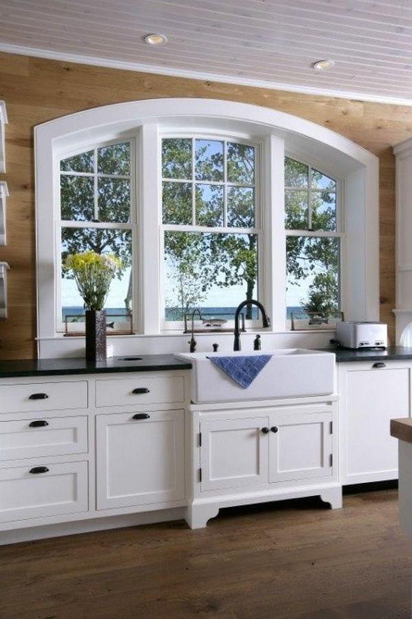 Кухня в цветах: серый, белый, сине-зеленый, коричневый, бежевый. Кухня в стиле классика.