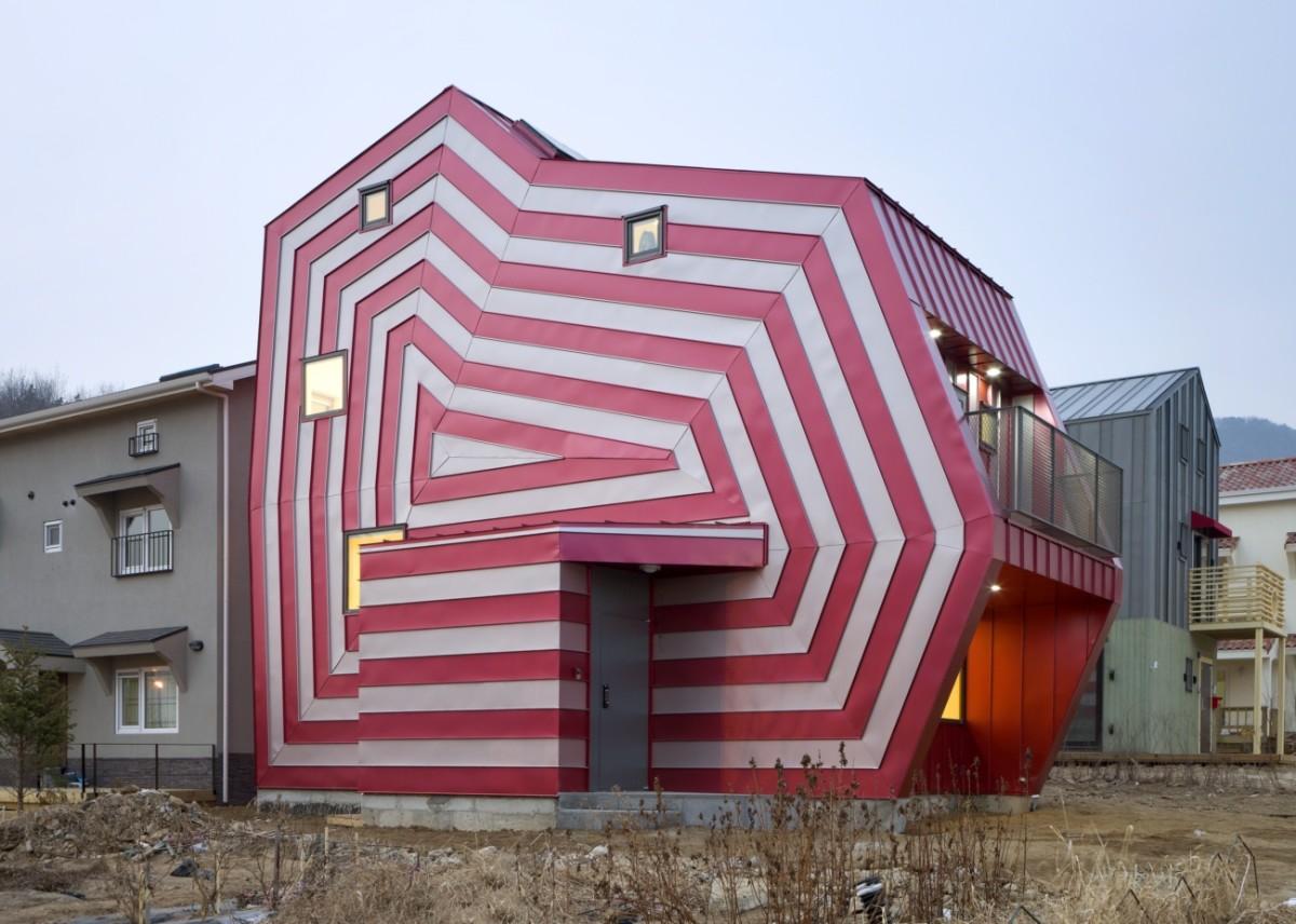 Архитектура в цветах: белый, розовый, бежевый. Архитектура в .