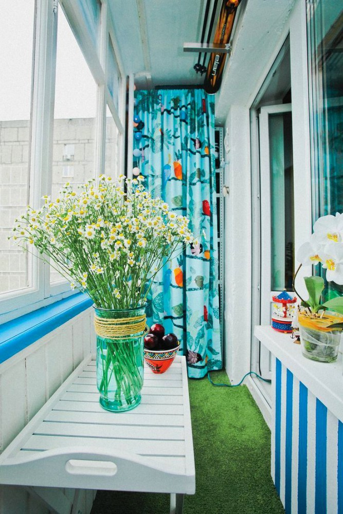 Балкон, веранда, патио в цветах: бирюзовый, белый. Балкон, веранда, патио в .