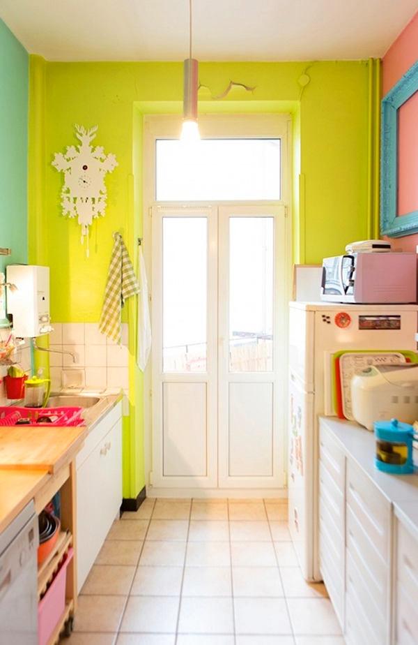 Кухня в цветах: светло-серый, белый, салатовый, бежевый. Кухня в стиле американский стиль.