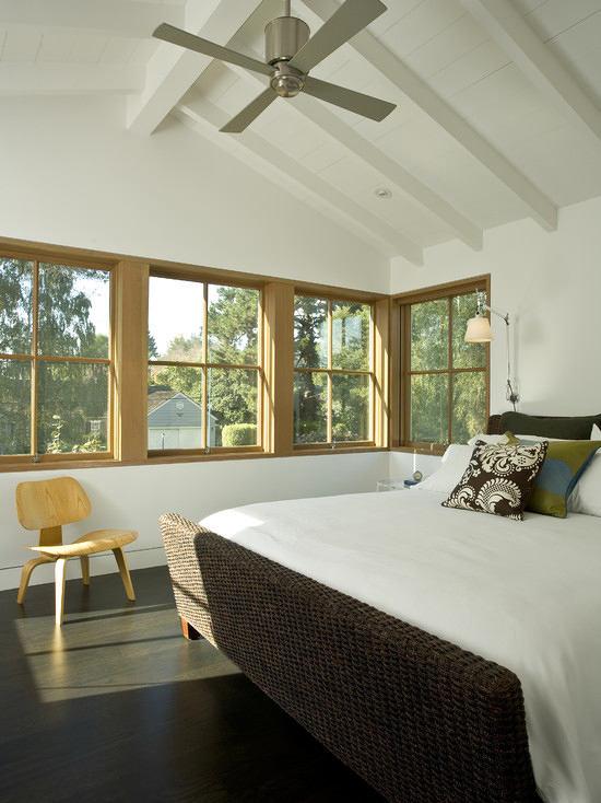 Спальня в цветах: серый, светло-серый, белый, темно-зеленый, бежевый. Спальня в стиле экологический стиль.