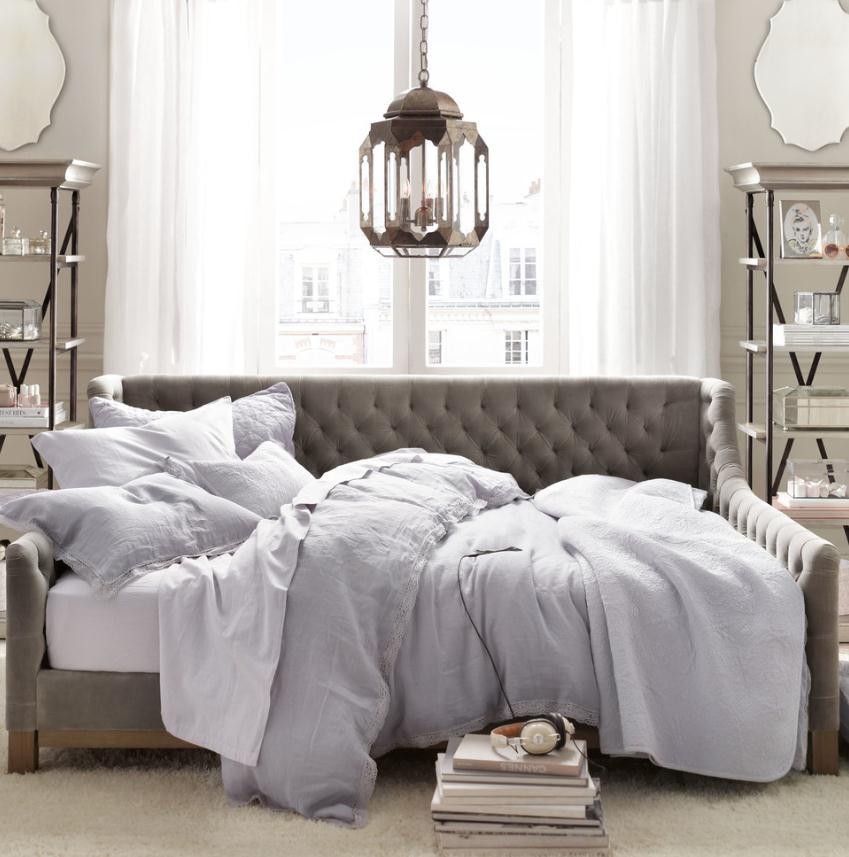 Спальня в цветах: черный, серый, светло-серый. Спальня в стиле минимализм.