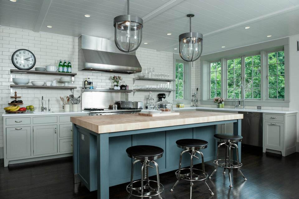 Кухня в цветах: черный, серый, светло-серый, темно-зеленый, сине-зеленый. Кухня в стилях: лофт, кантри, эклектика.